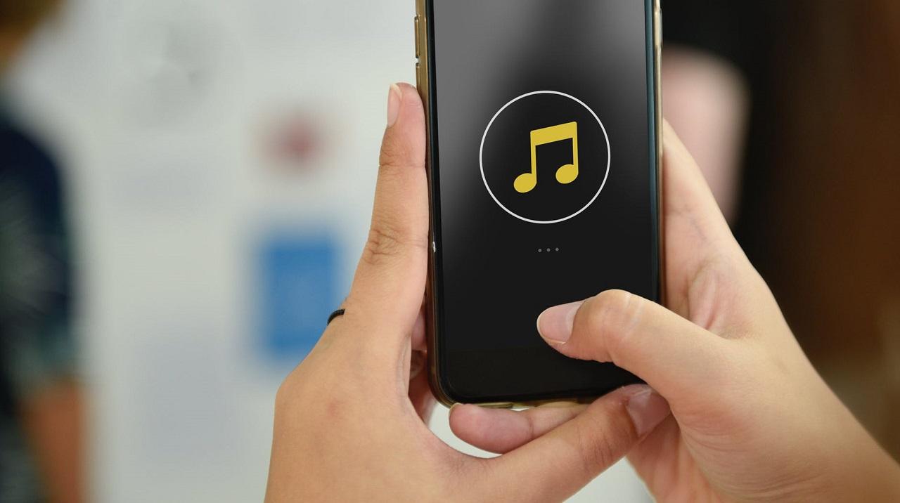 Photo of Telefonunuzla Gerçek Bir Sanatçı Gibi Müzik Yapabilirsiniz!