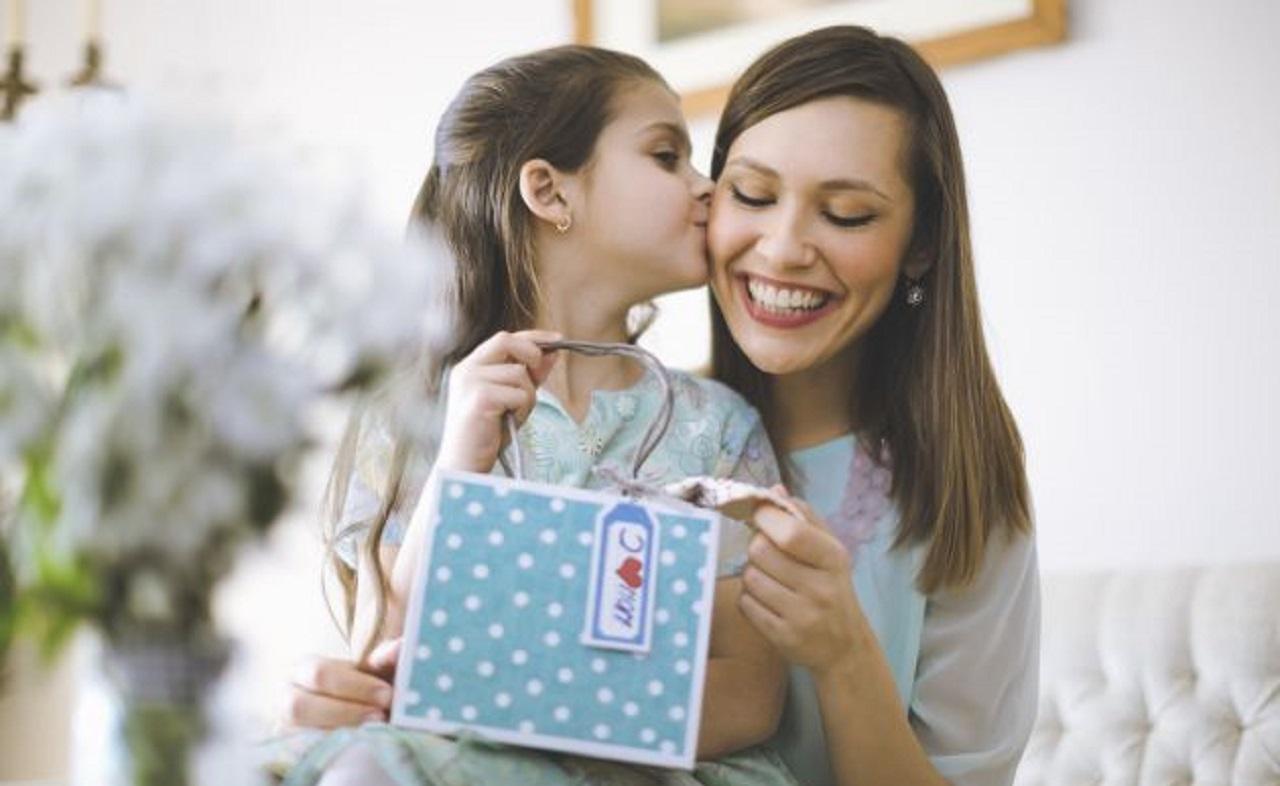 Photo of Anneler Günü'nde İnternetten Neler Alıyoruz?