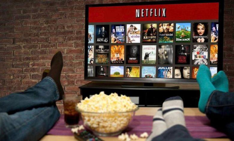 Photo of Eve Kapananlar İçin Birbirinden Eğlenceli 13 Netflix Dizisi!