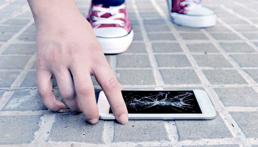 iphone ekrani kirilmasi moblobi